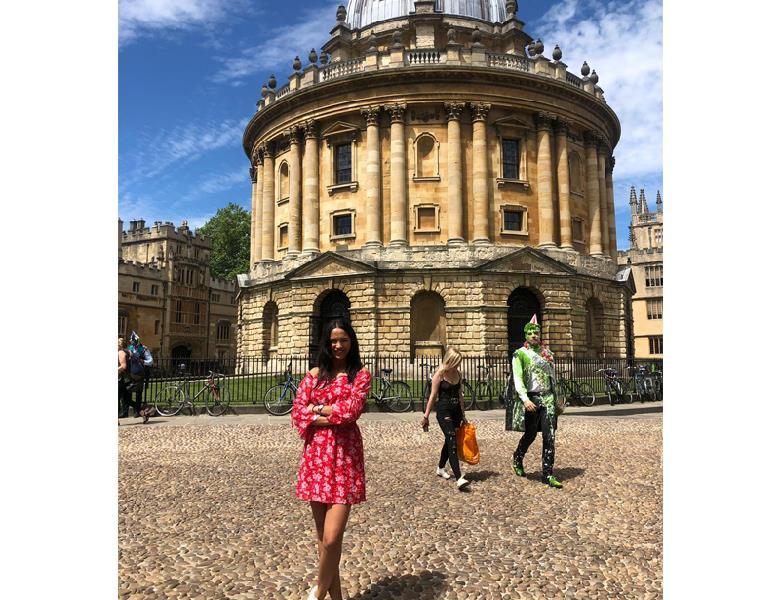 Londra'da 12 Hafta Yarı Yoğun Genel İngilizce ve Airbnb Konaklaması